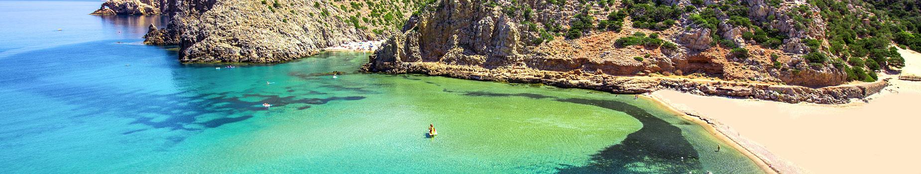 Vlieg busreis Sardinië