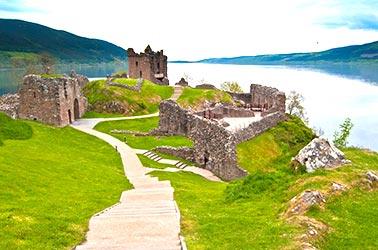 Urquhart kasteel bij Loch Ness